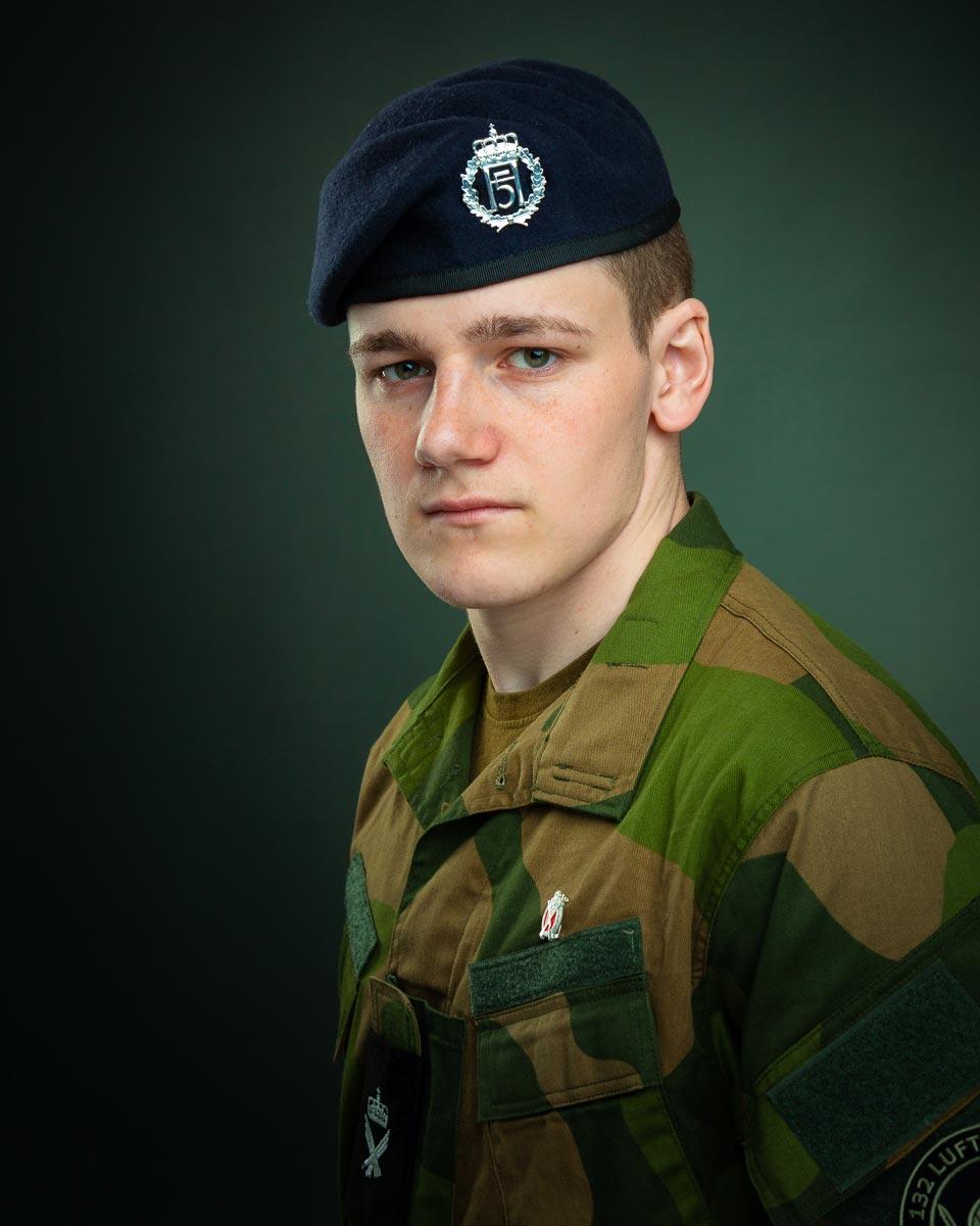 Soldat i uniform