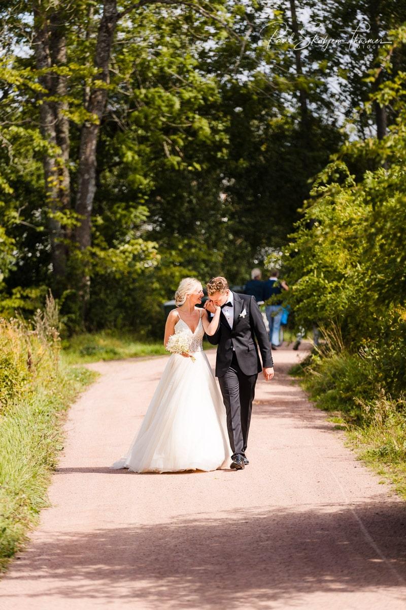 Kjersti og Luc sitt bryllup på Veierland 13